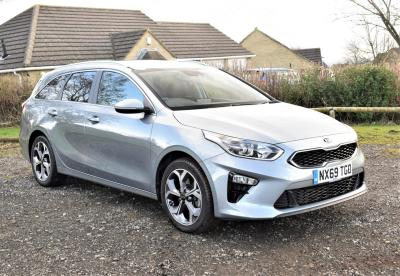 Kia Ceed 1.4T GDi ISG 3 5dr ESTATE Petrol Silver at S G Petch Limited Richmond